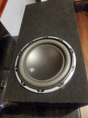 Photo Jl audio 10w6 v2 custom box works good solid wood box no low ballers