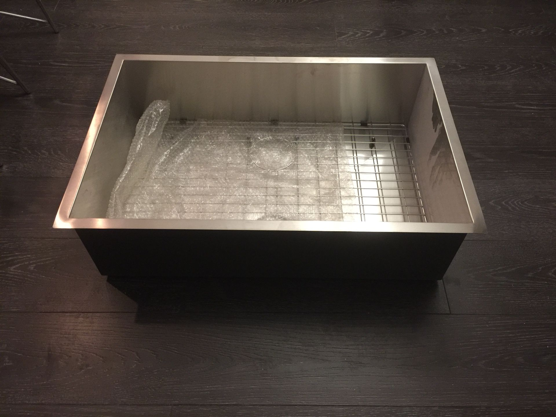 """New Large Undermount Stainless Steel Sink 33""""x22""""x9"""" with sink grate and drain"""