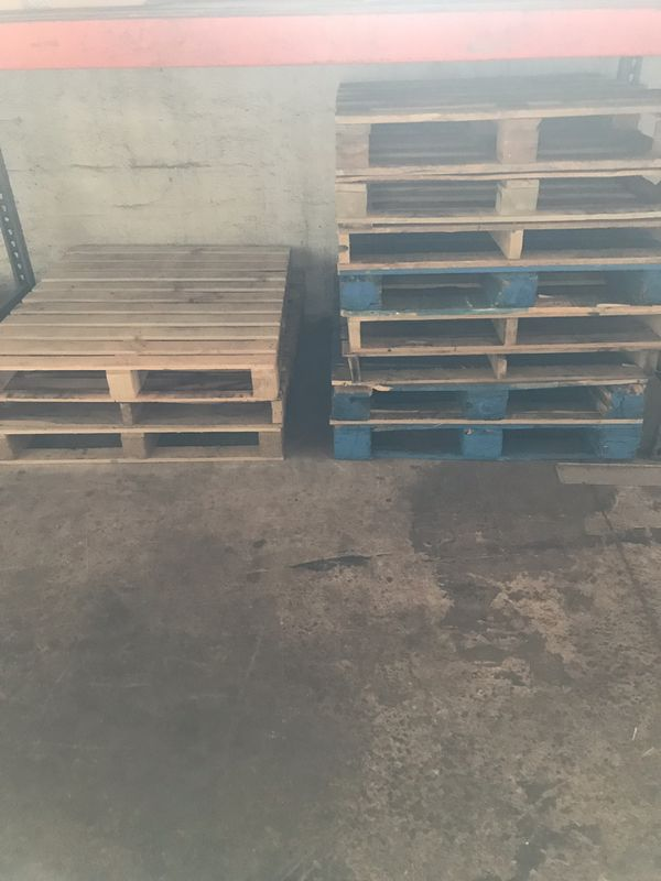 Wood pallets from 10ft to 4ft long available Free  Must be