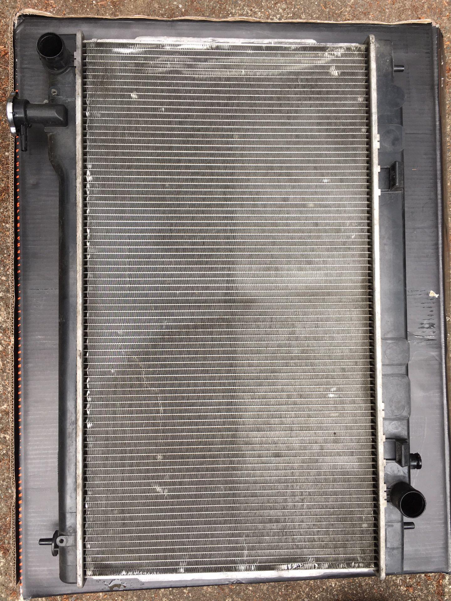 06 G35 coupe radiator