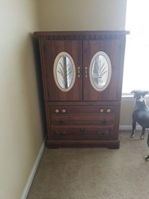 Spacious Dressor for Sale in Philadelphia, PA