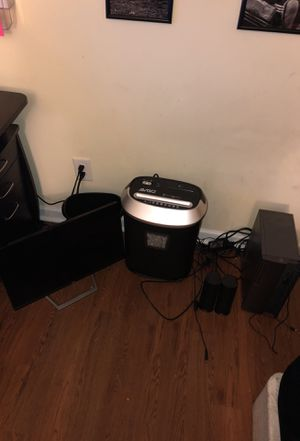 Computer/Monitor/Shredder/Speakers/Wireless Keyboard for Sale in Hickory, NC