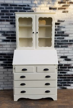 Photo Shabby chic/Cottage, china cabinet hutch.5 drawers. Cottage white