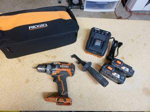 Photo Ridgid 18-volt lithium-ion cordless brushless 1/2 inch compact hammer drill kit