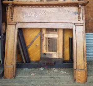 Antique Mantel for Sale in Graham, NC