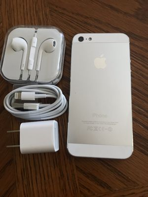 Unlocked iPhone 5, excellent condition for Sale in Falls Church, VA
