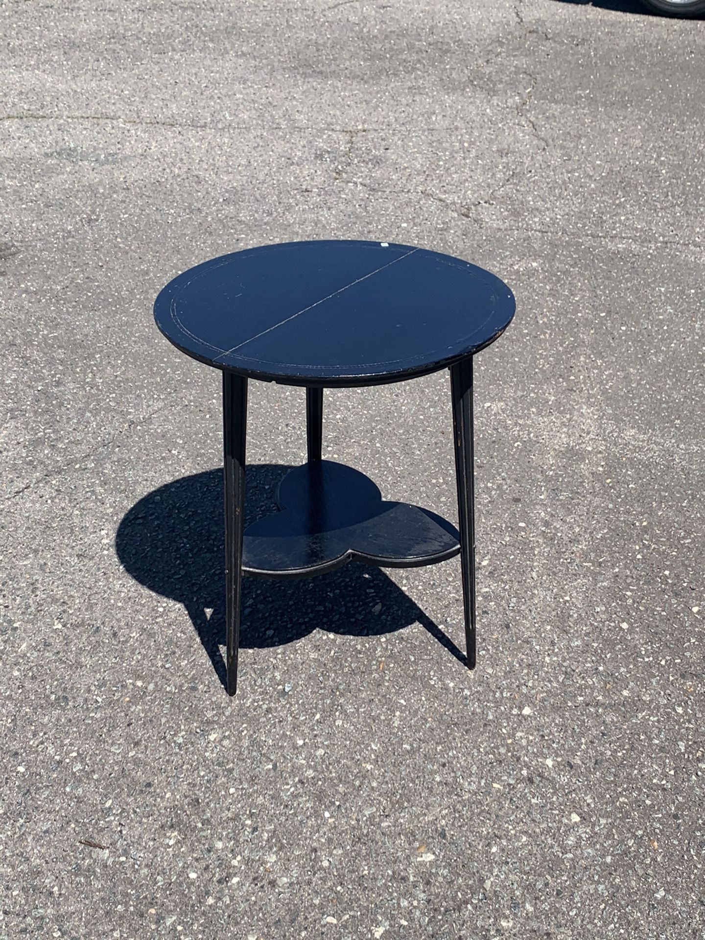 Wooden Two Tier, Sturdy Side Table w/Tapered, Reeded Legs