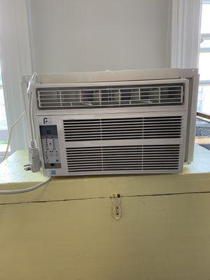 Perfect Aire Window Unit Air Conditioner for Sale in Alexandria, VA