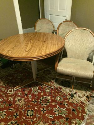 Dinett Set for Sale in St. Louis, MO
