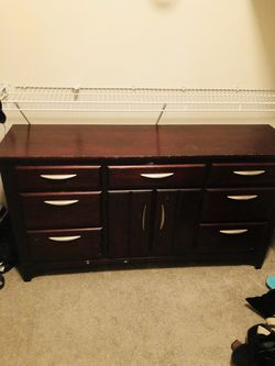 REAL WOOD DRESSER SET FOR SALE SERIOUS INQUIRIES ONLY Thumbnail