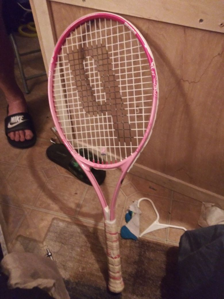 Penn tennis racket