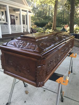 1 Wooden Coffin for Sale in Aldie, VA