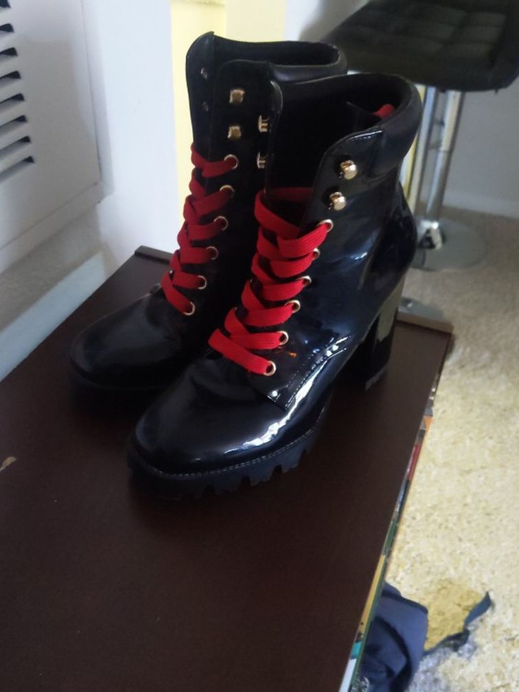 Size 7 (Women's) Pleather Boots