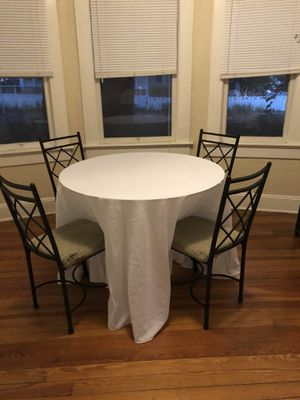 Five white 10-ft round tablecloths for Sale in Orlando, FL