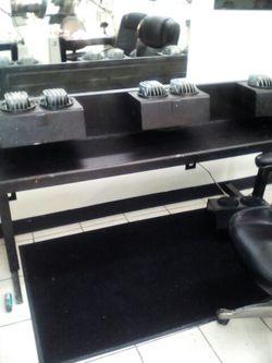 Nail salon tables and hand dryers Thumbnail