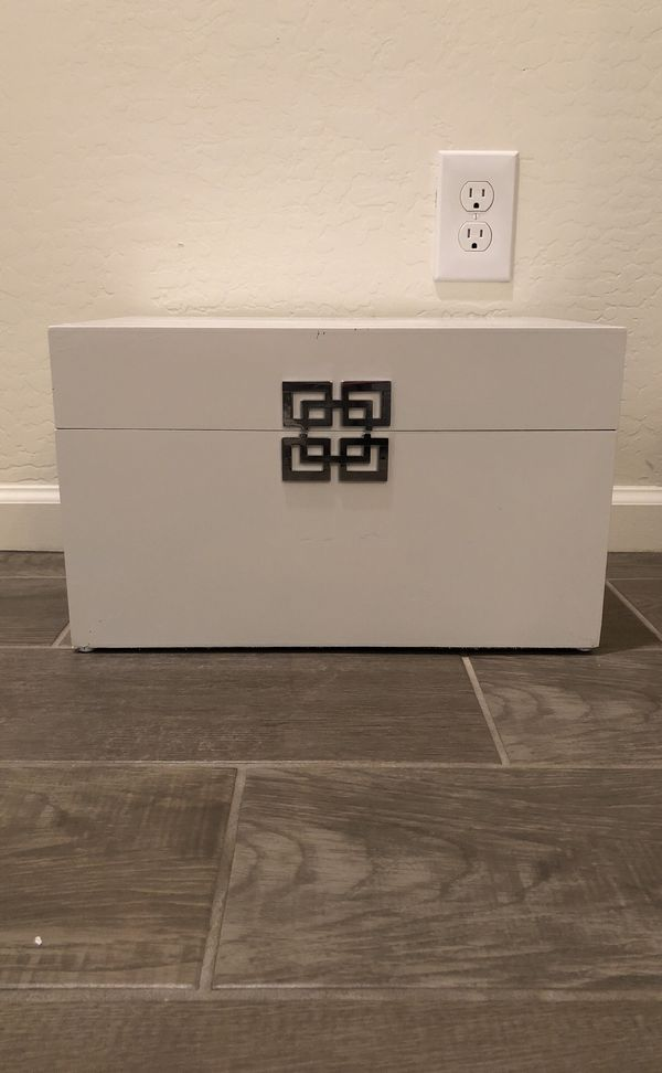 Z Gallerie Ming Box For Sale In Chandler Az Offerup