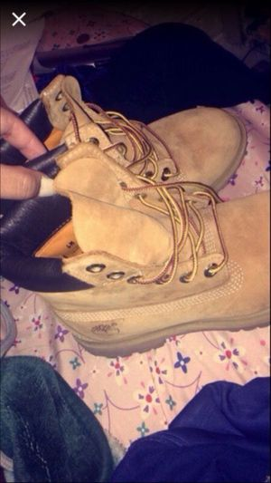 Timberland Size 6 in MEN for Sale in Denver, CO