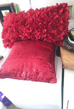 &15 two pretty in red pillows Thumbnail