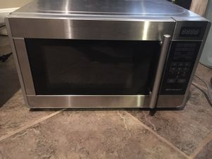 Emerson 700 watt stainless steel microwave for Sale in Ashburn, VA