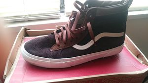 HI-TOP SUEDE MTE VANS LIKE NEW SIZE 11 for Sale in Washington, DC