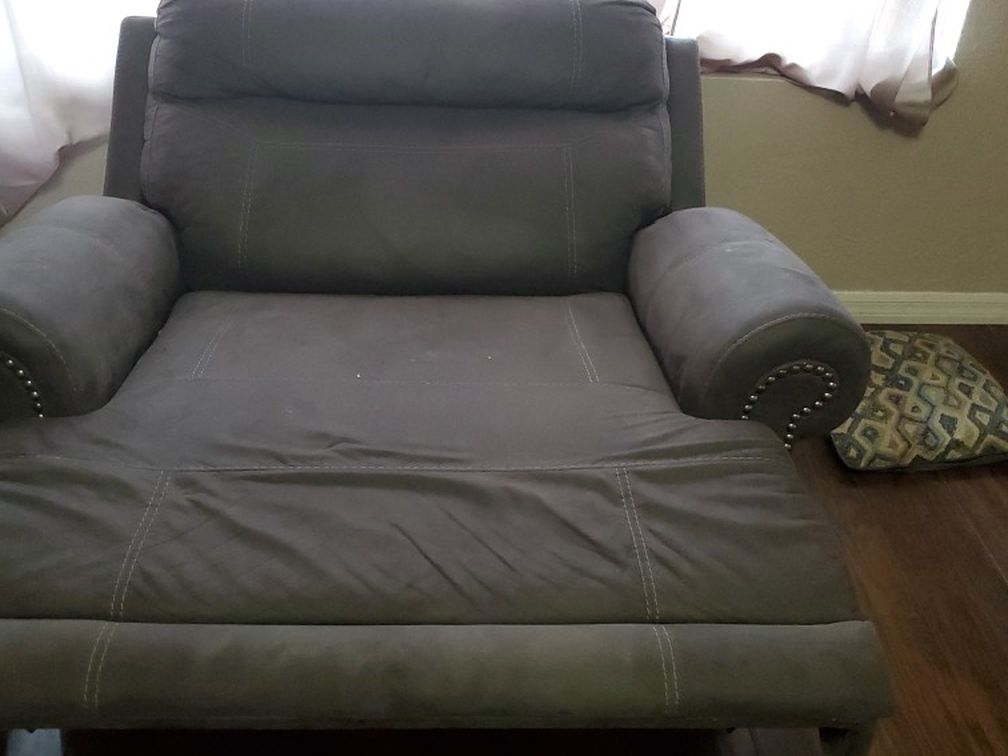 Large Size Recliner