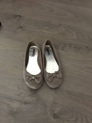 Kids Girls ballerina flats/ shoes - Taupe size 3 for Sale in Apex, NC