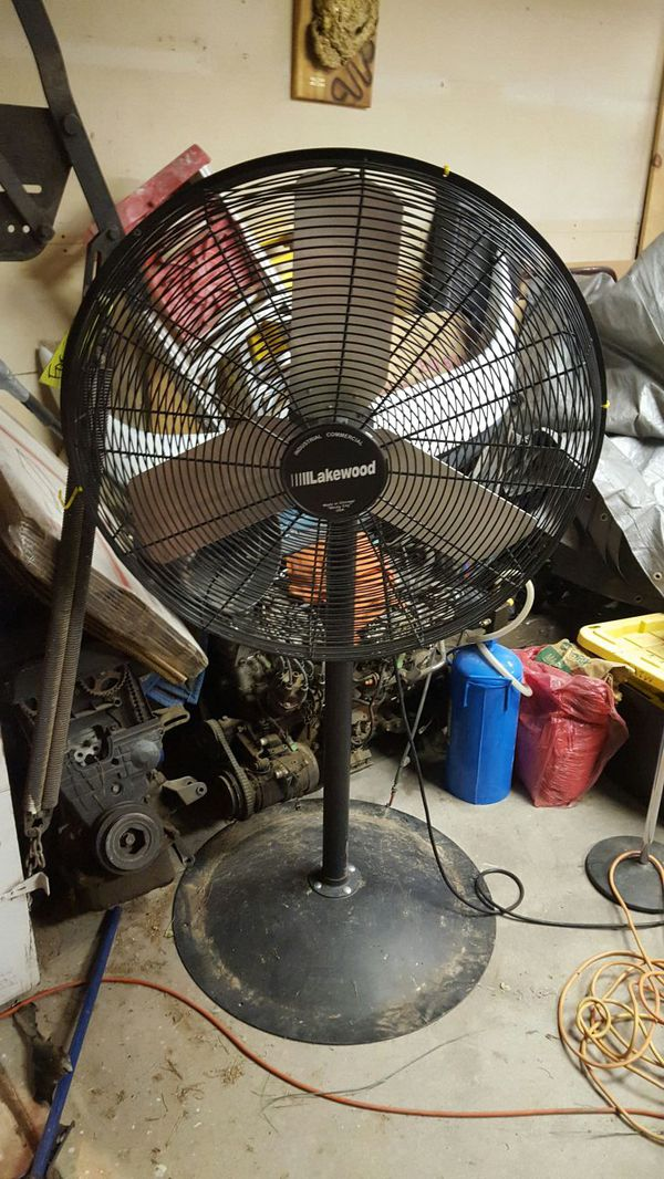 Lakewood Commercial Fan 35 Inch For In Las Vegas Nv Offerup