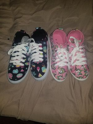 New shoes size 13 in kids 25 for both for Sale in Palmdale, CA