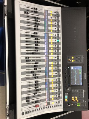 Yamaha TF5 with ATA Case for Sale in Oviedo, FL