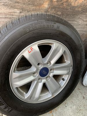 Photo 4 really good condition stock F150 wheels FOR SALE
