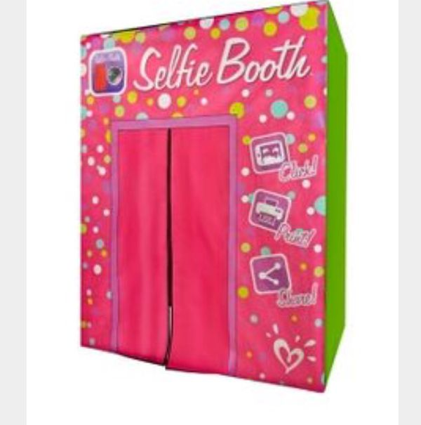 Justice Selfie Booth With Justice For Sale In Glen Ellyn Il Offerup