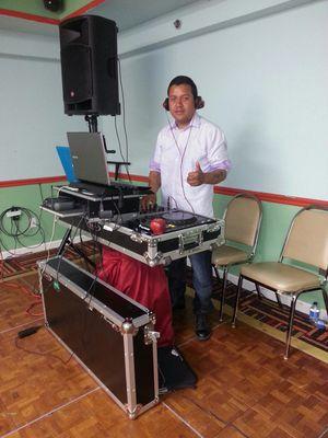 Necesitas un buen sonido y dj Para tu evento for Sale in Kensington, MD