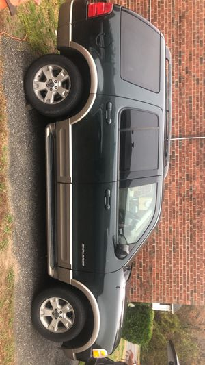 Ford Explorer 2004 for Sale in Clinton, MD