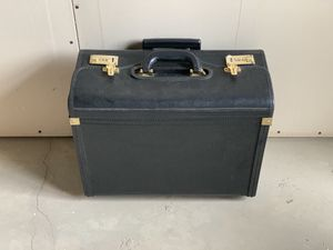 Solo leather rolling brief case for Sale in Long Beach, CA