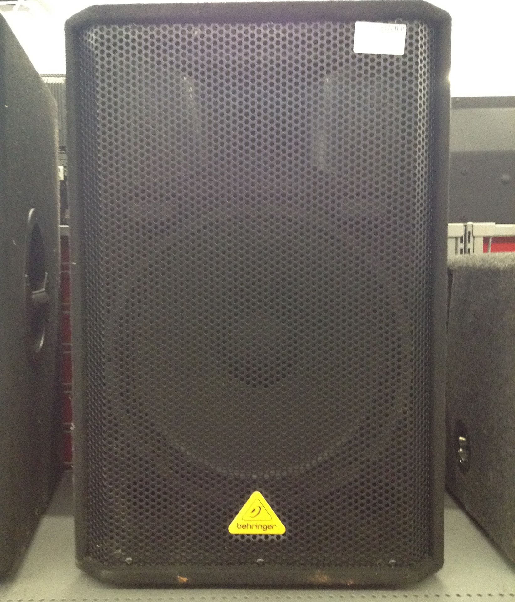 Behringer monitor speakers ec2002453