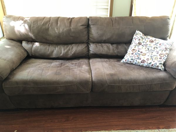 3 Seater Comfortable Sofa In Great Condition Furniture In Issaquah