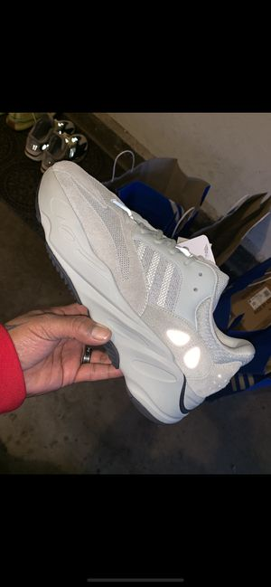 000602002 YEEZY BOOST 700 MAUVE for Sale in Glendale