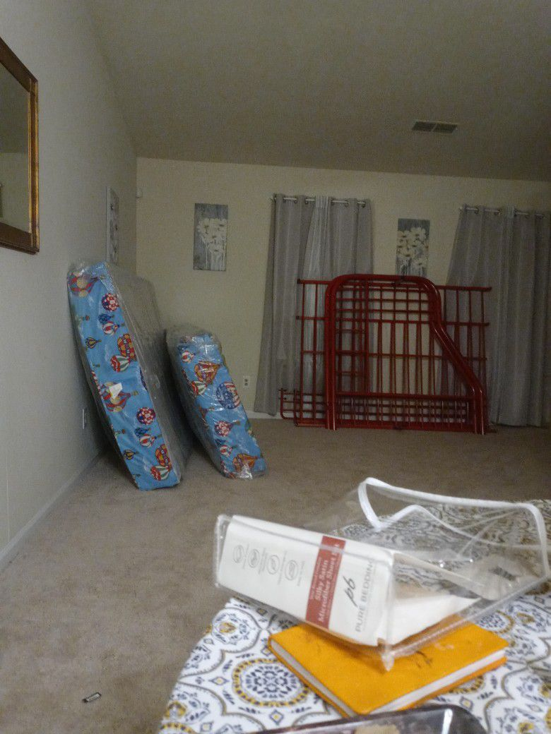 Bunk Bed/ Red