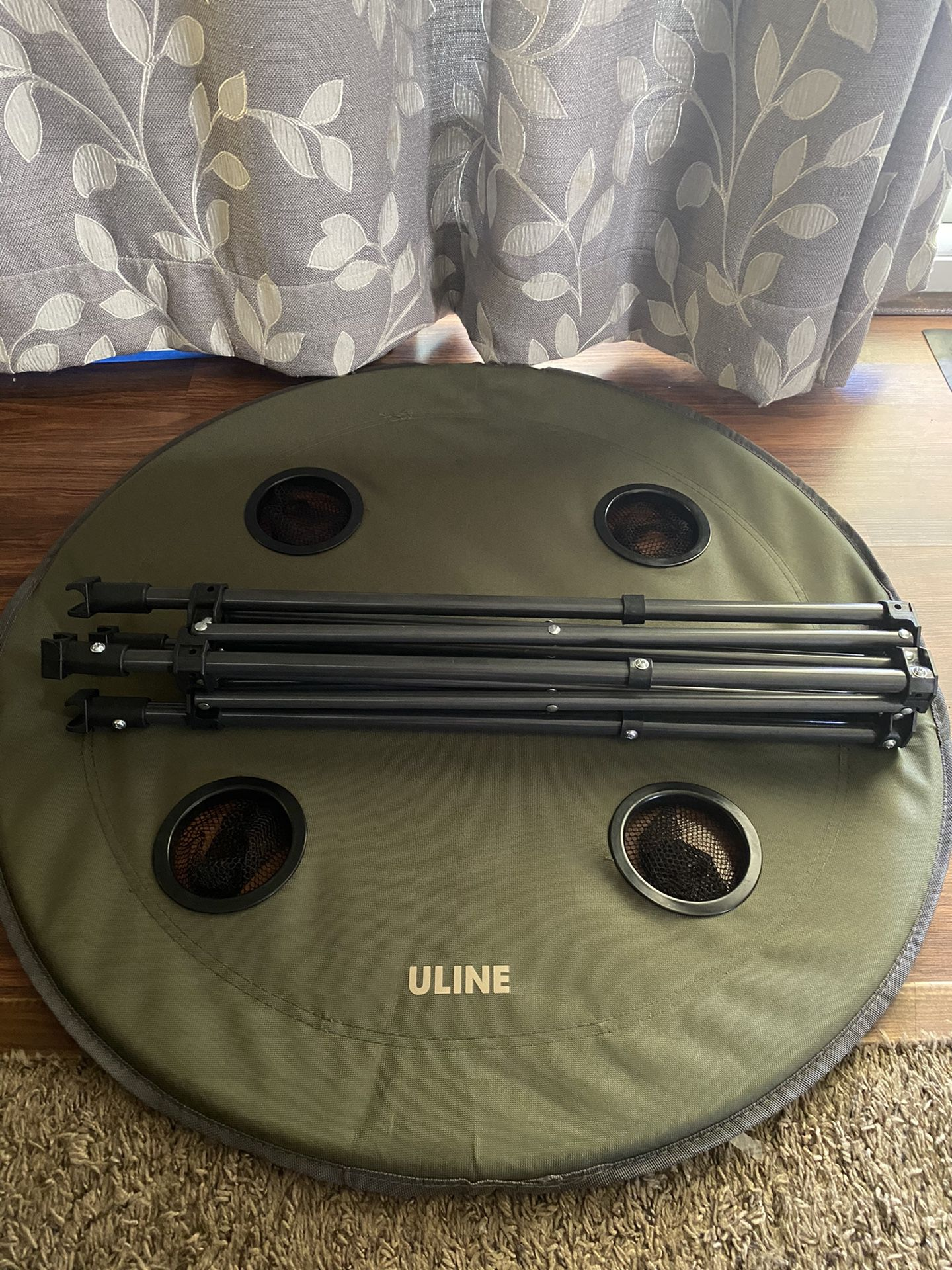 Compact Uline Table