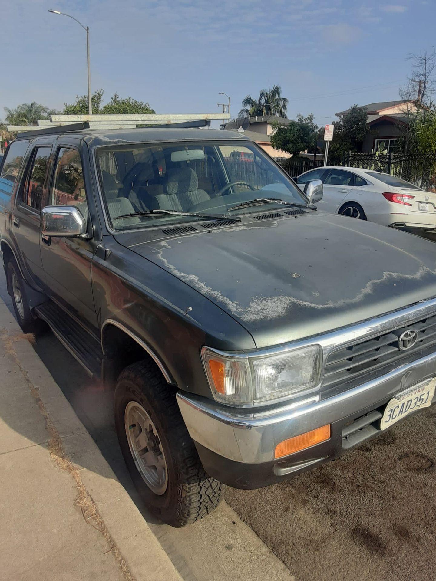 93 Toyota 4Runner 4x4 Título Limpio Placas Al Día Motor Transmisión Bien $3400 Obo