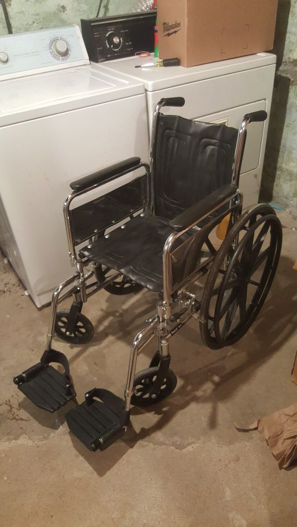 Tracer DLX Wheelchair for Sale in Portland, OR - OfferUp
