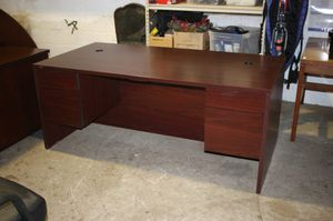 Wooden Brown Office Desk for Sale in Centreville, VA