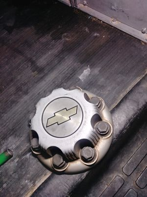 Chevy wheel Hub. Cover for Sale in Los Angeles, CA