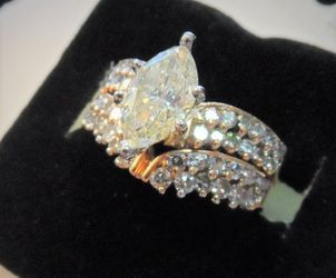 14K GOLD  2CT DIAMOND MARQUES LADIES RING  Thumbnail