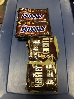 I'm selling 9 Hershey almond six pack and I'm selling 8Packs of Snickers six in 17 pieces total of six in each pack Full-size for Sale in Philadelphia, PA