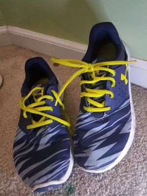 Under Armour Size 6Y for Sale in Manassas, VA