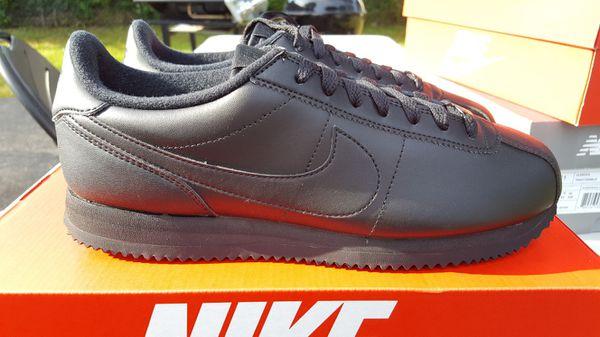 69eb966f358 Nike Cortez Basic Leather Triple Black Size 9.5 (Clothing   Shoes) in  Indianapolis