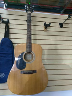 Johnson acoustic guitar for Sale in Azalea Park, FL