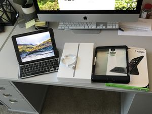 Like new Apple iPad Air 2 with extras for Sale in San Diego, CA