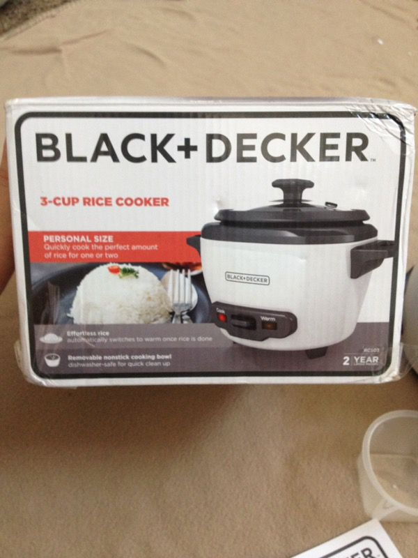 a1d9adea897 Black+Decker RC503 1.5-cup dry 3-cup cooked rice cooker